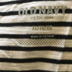 Old Navy Tops - Old navy tee
